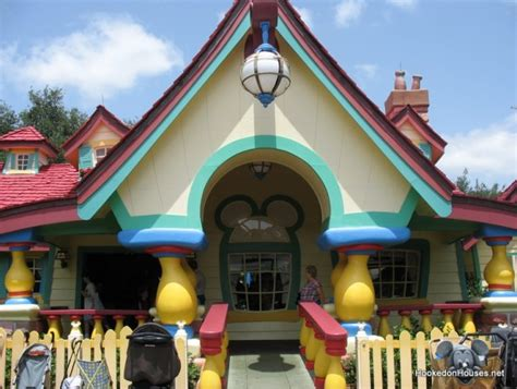 mickey mouse s country house at disney world hooked on houses