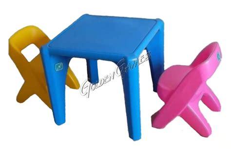 sedia con tavolino tavolino con sedie
