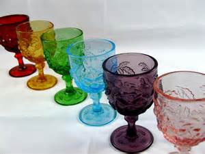 colored glassware 6 vintage indiana glass water goblets and leaf