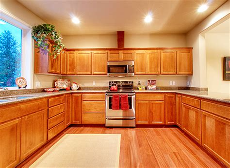 kitchen cabinets with hardwood floors best hardwood floors kitchen captainwalt com