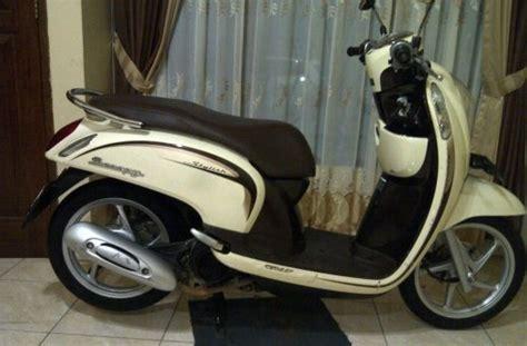 Honda Scoopy Putih Thn 2016 honda scoopy th 2013 pajak panjang jual motor bekas