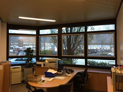 dachflächenfenster sonnenschutz innen hitzeschutz fenster innen beste hitzeschutzrollos