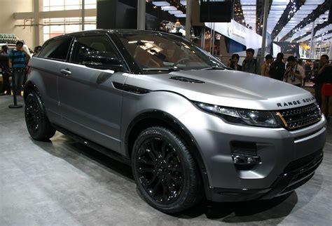 silver range rover evoque news posh evoque looks set to do the business aronline