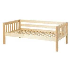 Diy Daybed Frame 17 Best Ideas About Diy Daybed On Daybeds Diy Sofa And Modern Futon Mattresses
