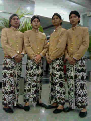 Baju Dalang Tenun provinsi jawa tengah