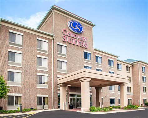comfort inn milwaukee comfort suites milwaukee park place coupons near me in