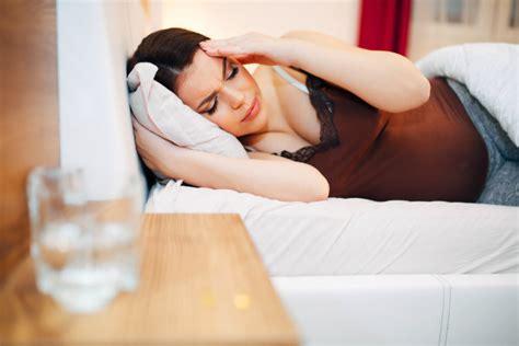 sonno e mal di testa mal di testa in gravidanza possibili rimedi blogmamma it
