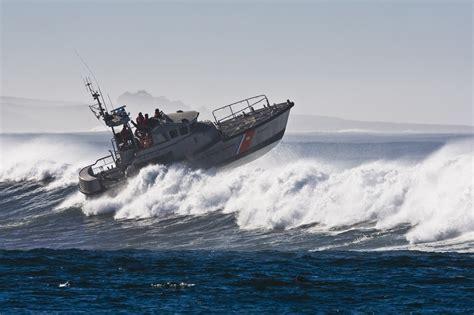 u boat us coast u s coast guard 47 ft motor life boat morro bay 171 all boats