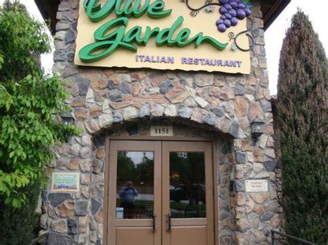 olive garden 120th entrance to olive garden picture of olive garden thornton tripadvisor
