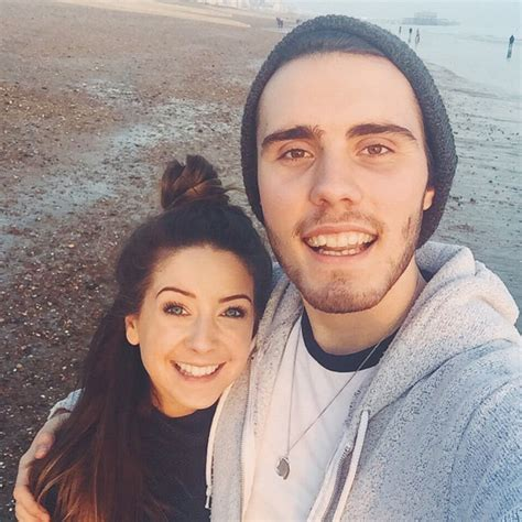Or Zoella And Alfie Zoella And Alfie Deyes For Own Waxwork In Madame Tussauds