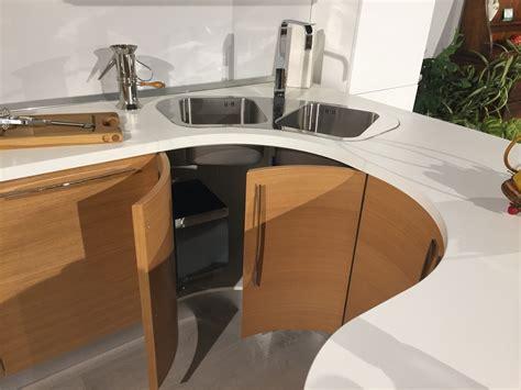 Cucina Con Penisola Tonda by Cucina Moderna Lineare Con Penisola Tonda Modello Zen