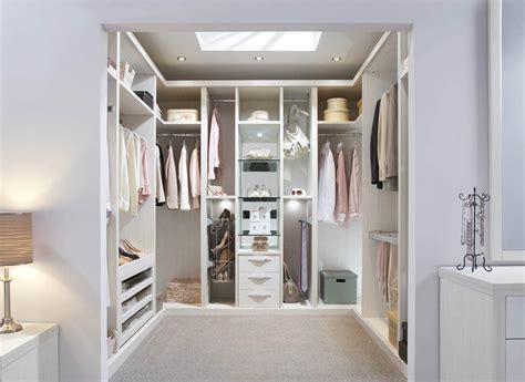 Closet Uk by Find Your Ideal Fitted Walk In Wardrobes With Strachan
