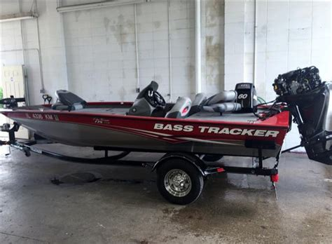 bass tracker boat livewell bass tracker pro team 17 boats for sale