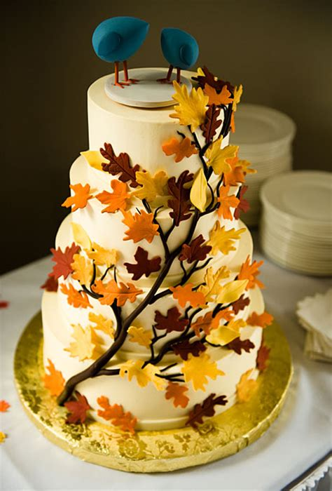 wedding cake ideas for fall leaf cake decorations edible fall leaves a wedding cake