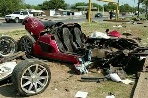 koenigsegg mexico koenigsegg ccx totaled in high speed crash in mexico