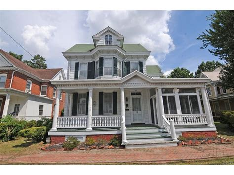305 s walnut milford de for sale 189 000