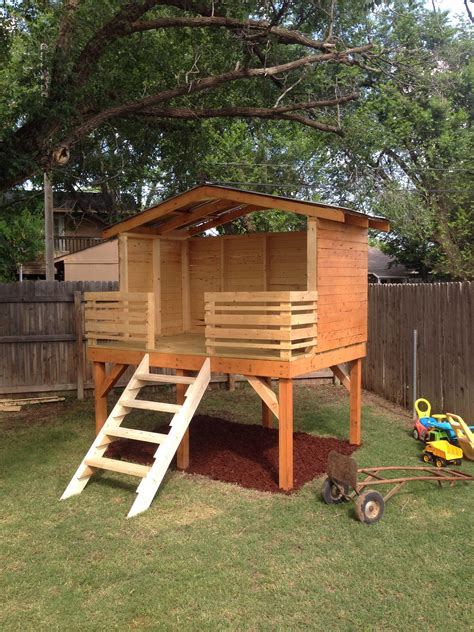 dad chronicles his diy backyard fort project