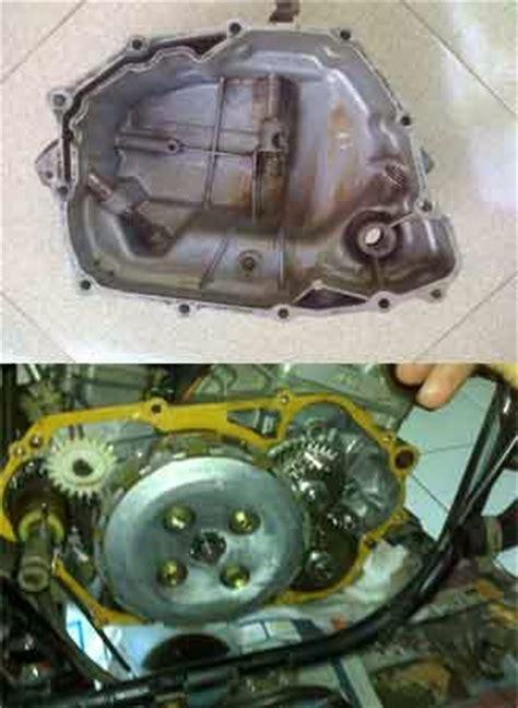 Kas Kopling Mobil Suzuki sebab bak kopling motor merembes oli dealer mobil suzuki semarang