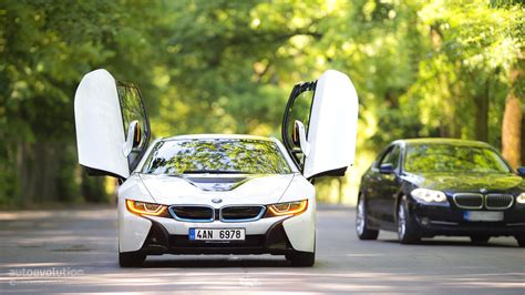 Bmw Sports Car Wallpaper With Purple Background by How To Bmw I8 The Hd Wallpaper Guide Autoevolution