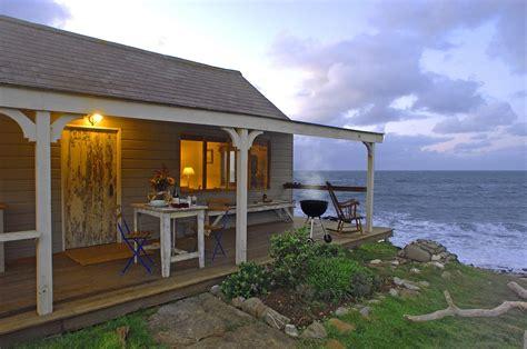 small beach house gallery the beach hut a romantic retreat in cornwall