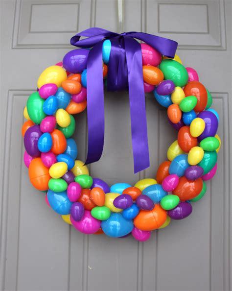 How To Make Handmade Wreaths - diy easter egg wreath