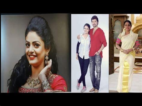 karthika deepam serial heroine photos videos naa peru minakshi 24th august 2018 tv serial actor kan
