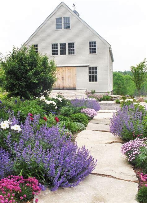Garten Gestalten Lavendel by Naturstein Gartenweg Anlegen Bepflanzung Stauden Lavendel