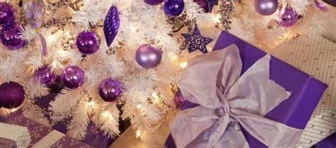 imagenes en blanco y morado decoracion arbol de navidad blanco y morado