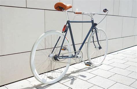 Fahrrad Schriftzug Lackieren by Diy Neuaufbau Eines Alten Fahrrads Bike Pinterest