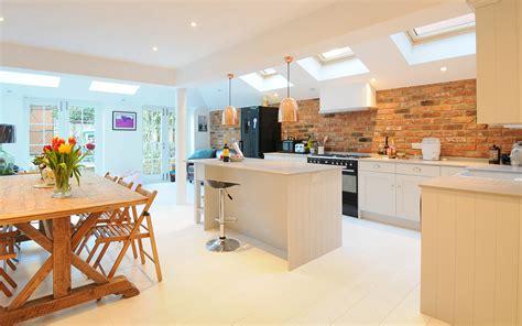kitchen design london cucina con zona pranzo mansarda it