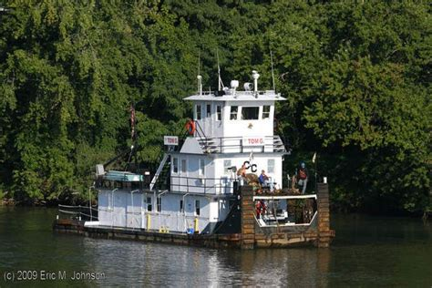 tugboat ohio tom g towboats pushboats barges mississippi ohio