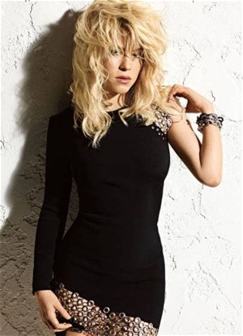 interesting facts about shakira biography shakira favorite things color food sports song hobbies