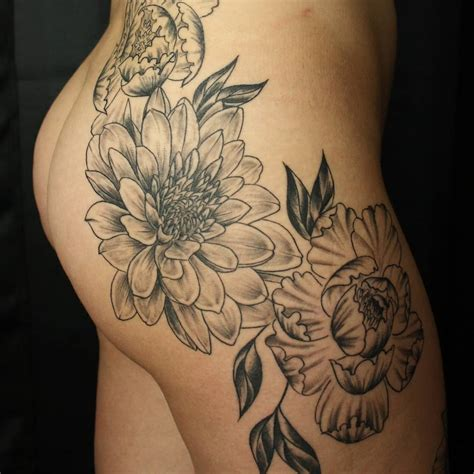 45 beautiful hip tattoo design ideas for women