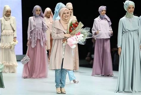 Longdress Cape Dian the rise of indonesia s muslim fashion industry