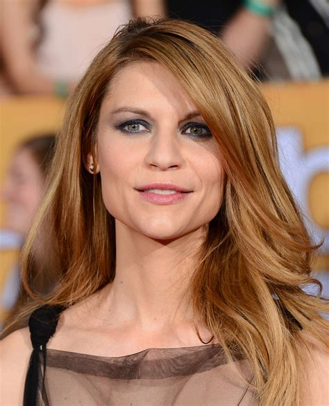 claire danes with brown hair claire danes s hair and makeup at sag awards 2014