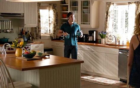 Emily S Kitchen by Emily Thorne S House In The Htons On Quot Quot