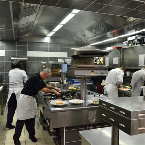cucine industriali per ristoranti pulizie di bar e ristoranti a pulizia cucine