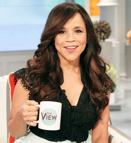 is rosie perez wearing a wig rosie perez hair on the view rosie perez leaving the view