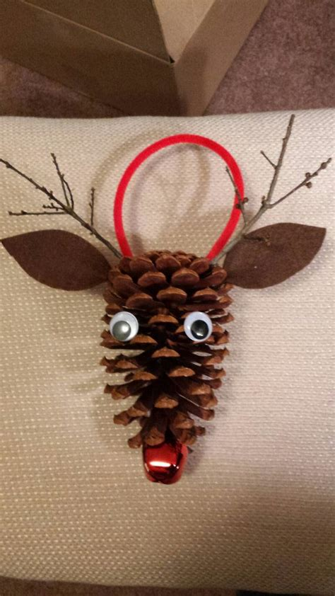 pine cone crafts best 25 pinecone crafts ideas on easy