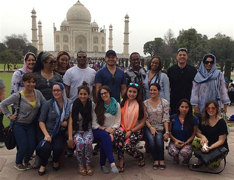 Fiu Graduate Programs Mba by Passage To India Fiu Students Learn How Another Culture