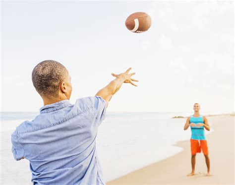 8 Steps To Throwing A Fantastic how to throw a football 4 steps to great passing