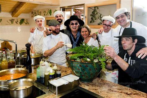 marc veyrat ustensiles de cuisine manigod la nouvelle r 233 surrection de marc veyrat le pape