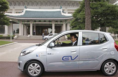 Hyundai Electric Car by Hyundai Unveils Electric Car Blueon Electric