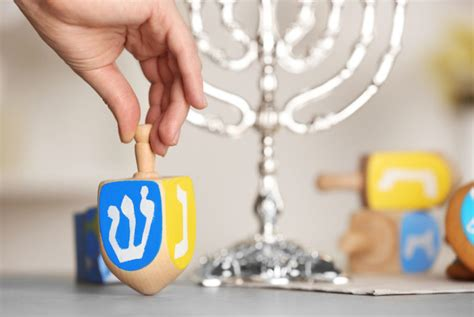 Hanukkah: How To Get The Gelt!   SelectQuote Blog