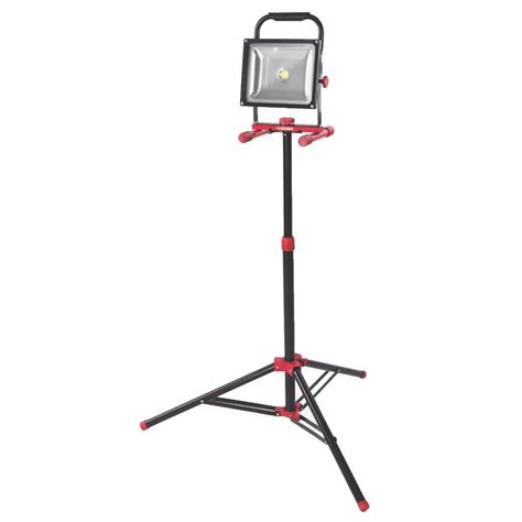 Work Light Tripod by Husky 5 Ft 1720 Lumen Led Work Light With Tripod K40011