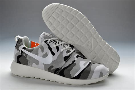 white pattern nikes nike roshe run pattern men camouflage
