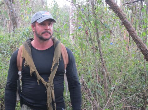 dual survival star kicked out of special forces association discovery channel survival stars joe teti and mykel hawke
