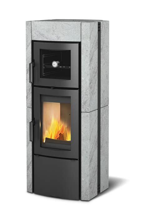 rivestimento forno a legna stufa a legna con forno la nordica extraflame ester pietra