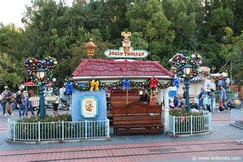 Decorations At Disneyland by Decorations At The Disneyland Resort Img 7364