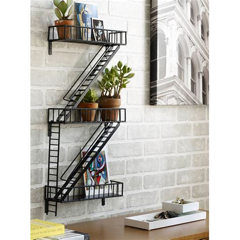 moderne zäune metall escape shelf escape shelf uncommongoods